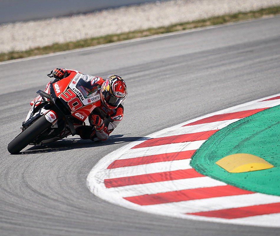 8位フィニッシュとなりましたが、転倒者も多く難しいレースでした!明日のテストが待ちきれない!お楽しみに😉 Race - P8. Not the best day but few more points. Very important test tomorrow 😉 #CatalanGP #MotoGP #LCRHondaIDEMITSU