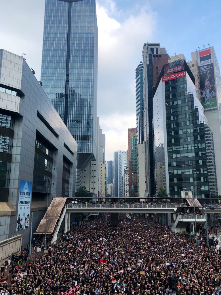 2 million Hong Kongers peacefully demonstrate today, an inspiration for all of us. When we don't take democracy for granted, it means so much more.   ht @ShibaniMahtani<br>http://pic.twitter.com/JeqIXc1S3z