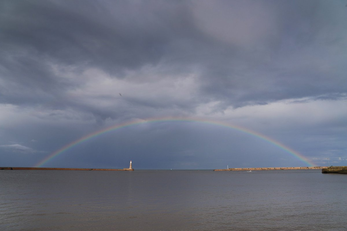 The Lighthouse rainbow The perfect rainbow over Roker Harbour this afternoon. @StormHour @EarthandClouds #rainbow