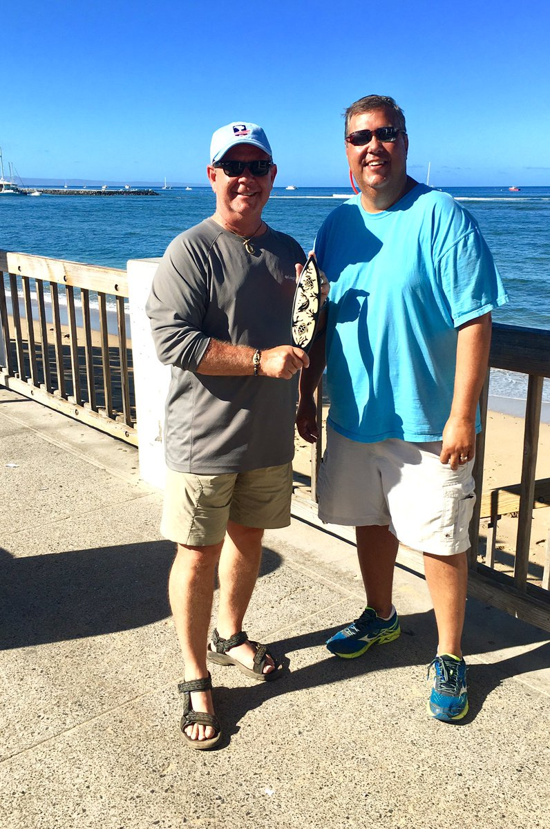 The KumónIwannalei-yá trophy is back in my hands. Trophy presentation (complete with public humiliation) on the dock at Lahaina this morning. <br>http://pic.twitter.com/CAW5FW5u2V