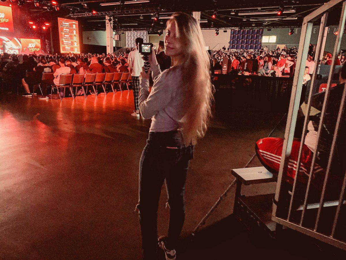 Call of Duty events make me so happy. Been vloggin the whole time, I can't wait to show yall my adventures  <br>http://pic.twitter.com/JFaEptKjqw