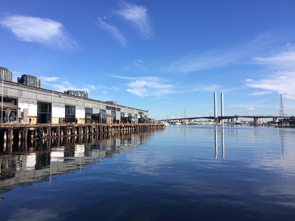 Lunchtime walk in #docklands #winter @JaneBunn #Melbourne https://t.co/Aua3EzIvpB