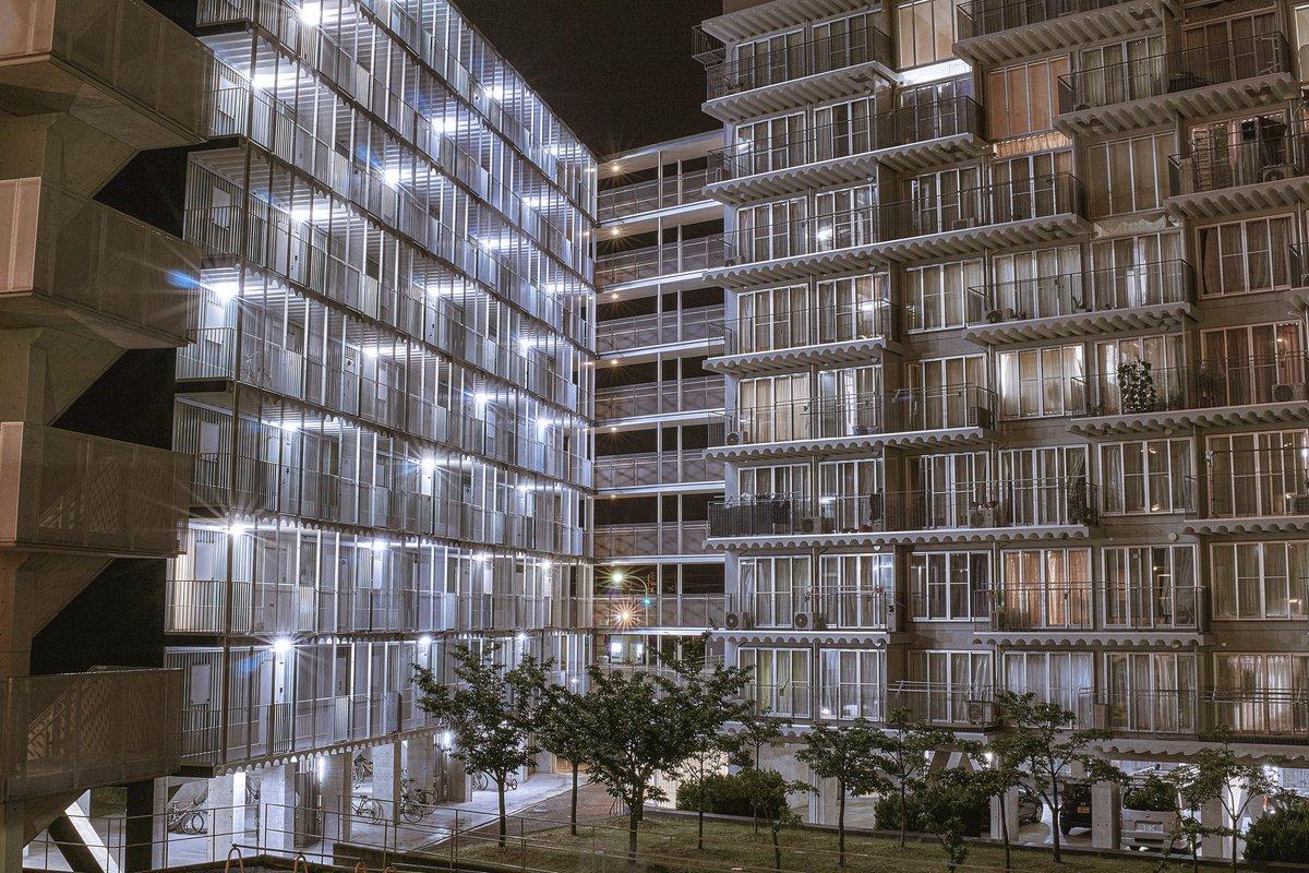 -  ハイタウン北方 . 夜の撮影  日中とはまた違った 雰囲気を醸し出し どこをきりとっても カッコいい建物  #α6000 #photography #PASHADELIC  #岐阜   - https://t.co/BfZTBERWUj