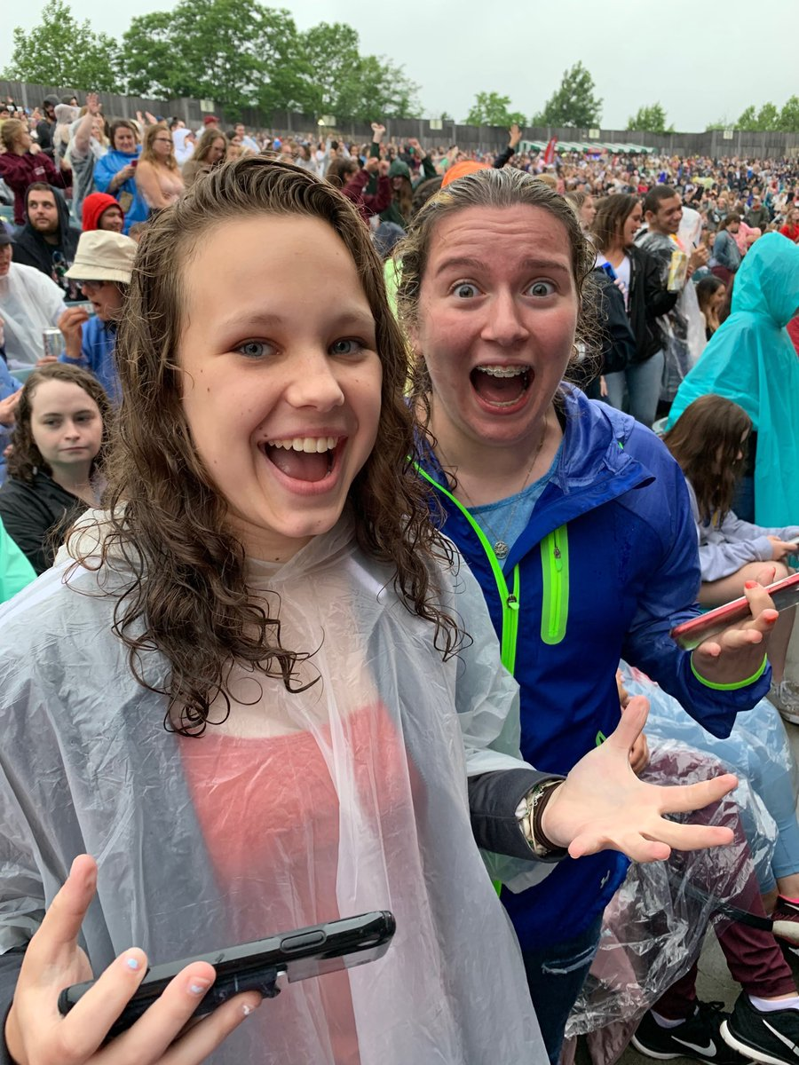 #kiss108kissconcert Their best 'ready for the Jonas Brothers' faces! @jonasbrothers #jonasbrothers<br>http://pic.twitter.com/FI7FGs3IRV