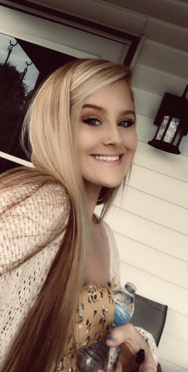 RT @morrgiiee_: more blonde, more fun 😉 https://t.co/s8QKfTkBvF