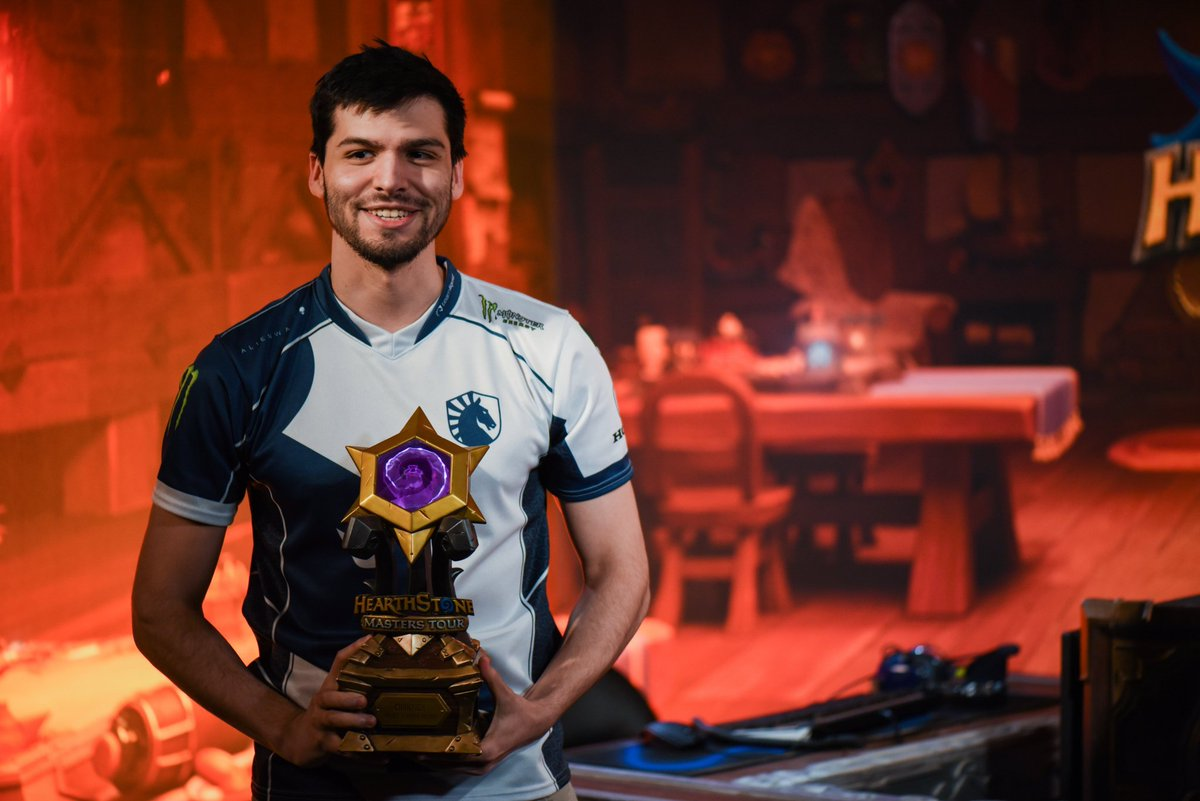 Congratulations to @Liquid_hsdog for beating nearly 300 great players (including over 30 Grandmasters) and taking the first place 3-1 against @GO_Gallon (also amazing job!) We have listed all of the Top 8 deck lists here, so check them out: https://www.hearthstonetopdecks.com/congratulations-to-the-winner-of-masters-tour-las-vegas-top-8-deck-lists-inside/ … #Hearthstone