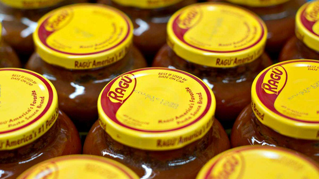Company recalling some Ragú pasta sauces because they may contain plastic bits wyff4.com/article/compan…