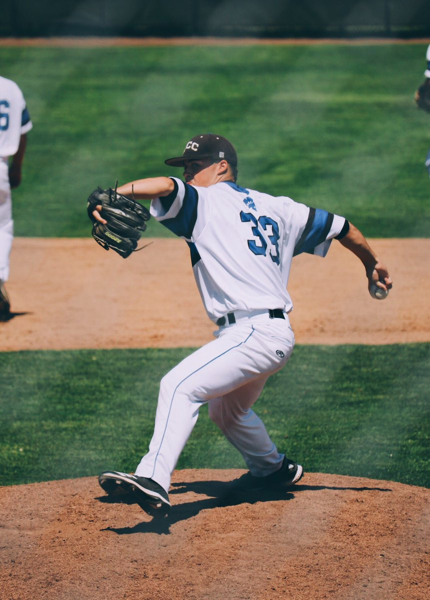 Thank you for an amazing two years @TacCCbaseball. Excited to spend the next two apart of the Husky family! Go Dawgs!  #UW #baseball<br>http://pic.twitter.com/QJ9tISh8aZ