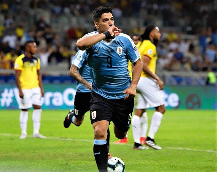 Luis Suárez, celebrando su tanto ante Ecuador.