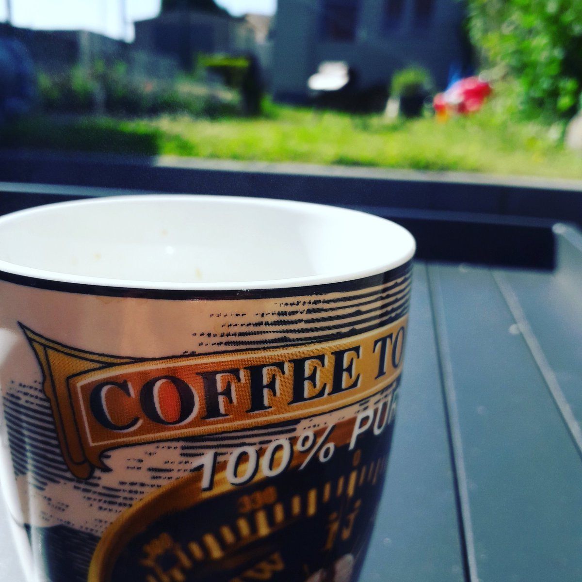 My morning coffee in the sun!  #happy #sun #finally #morningcoffee https://t.co/R6br9oASoa