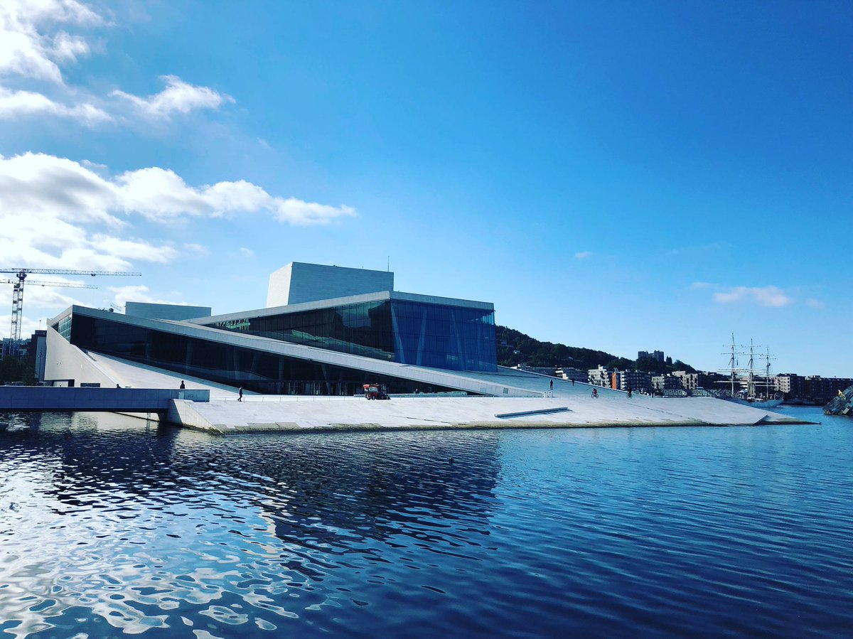 Morning Run by Oslo's Opera House #morningrun #oslo #norway #running #goodmorning #earlybird #norge #visitoslo https://t.co/orwMMMC5SO