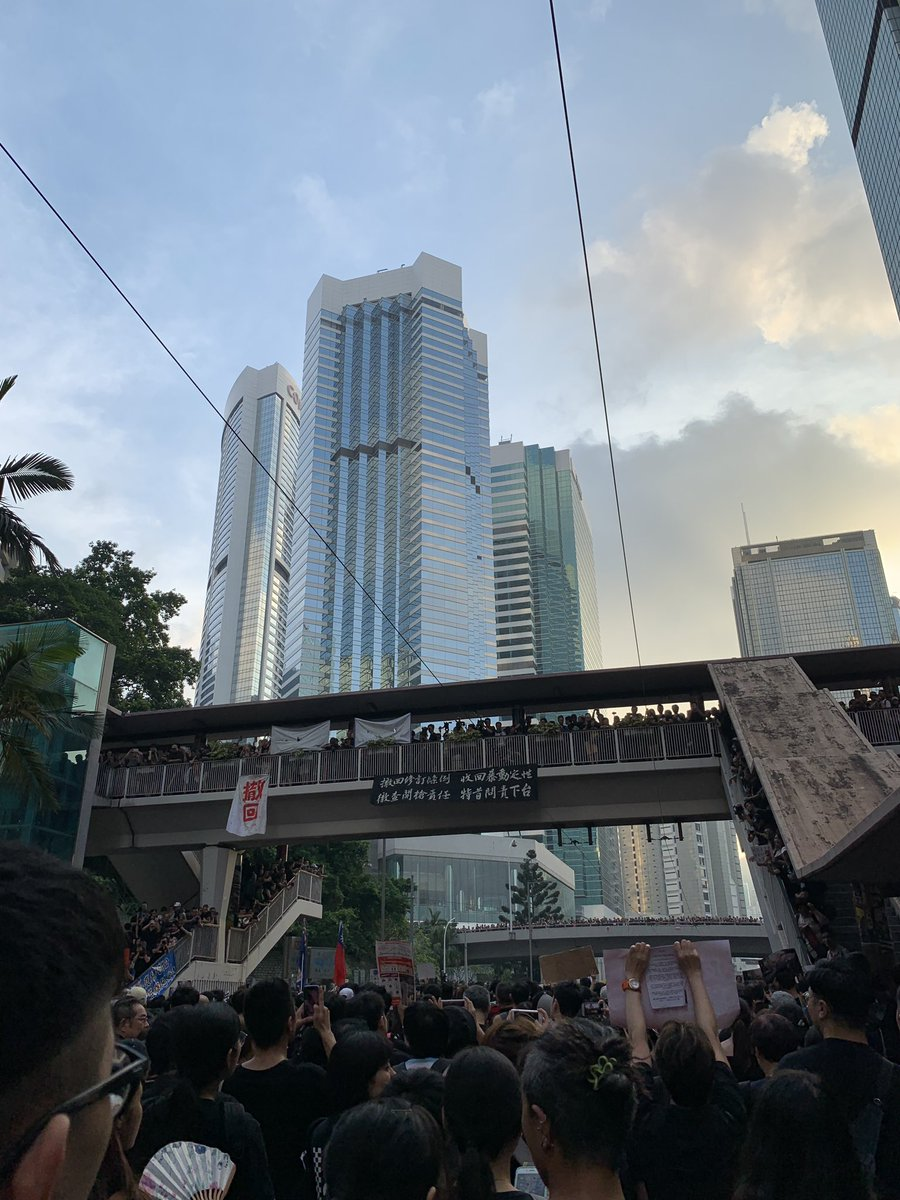 #WeLoveHongKong #NoExtraditionToChina #Black https://t.co/LQv2mQGdh6