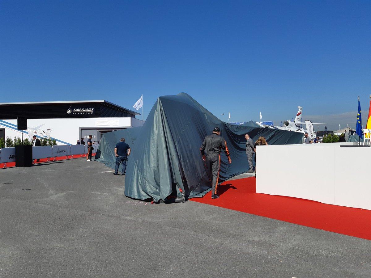 فرنسا تستعد لاستضافة معرض باريس للطيران 2019 D9P9pG9WkAA0uLY