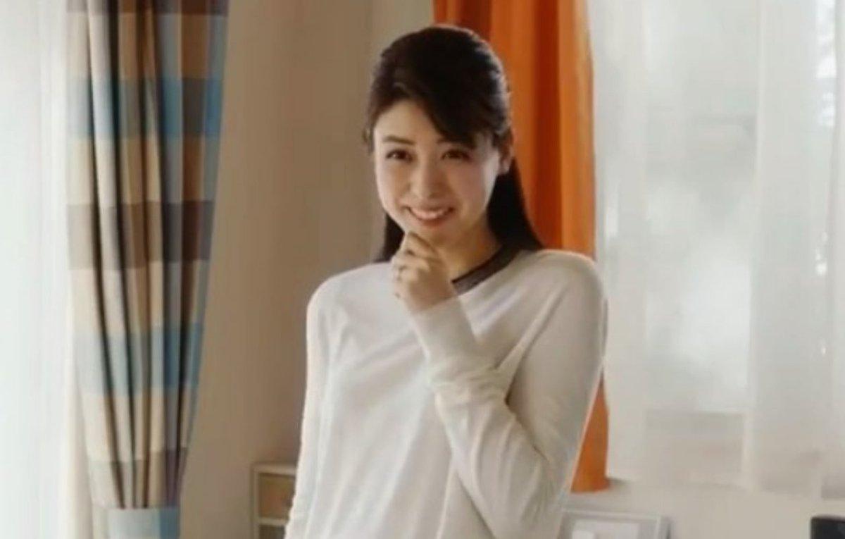 この笑顔に癒されて🍀 午後からもがんばろう✨  ヤクルトのCM大泉洋の奥さんです (*´∇`)ノ
