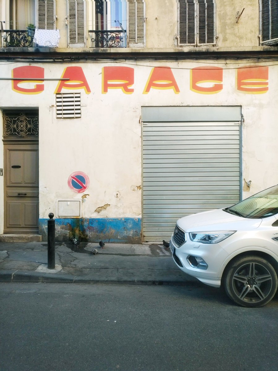 👕🕊️🚫🔧🚗  #safari #typographie #sansserif #GraphicDesign #Marseille #perroquetwitted #onrépète @renault_fr https://t.co/USc3ZC6uKC
