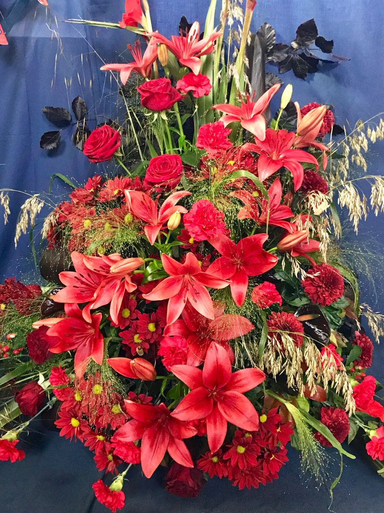Another wonderful flower display from the Crediton Flower Festival a few weeks ago. Love this colour - not sure how often you see lilies this colour?  Flowers genuinely bring me so much happiness!   #flowerfestival #crediton #scrapbookadventurees365<br>http://pic.twitter.com/SFXwKWfd8r