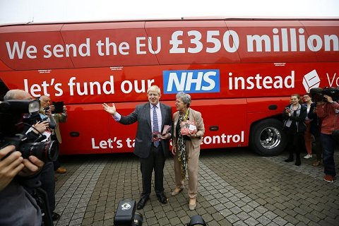 "I want a bus with this on the side: ""Brexit is already costing us £800 million a week - and we haven't even left yet. Let's fund on our NHS instead"" ""Let's take back control from the Old Etonian elite."" #Brexit #BrexitVote #BrexitShambles #PeoplesVote<br>http://pic.twitter.com/t0lNosNpoq"