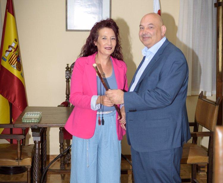 José María Cañadillas (PP) toma el bastón de mando de Almonacid de Zorita - http://henaresaldia.com/jose-maria-canadillas-pp-toma-el-…...