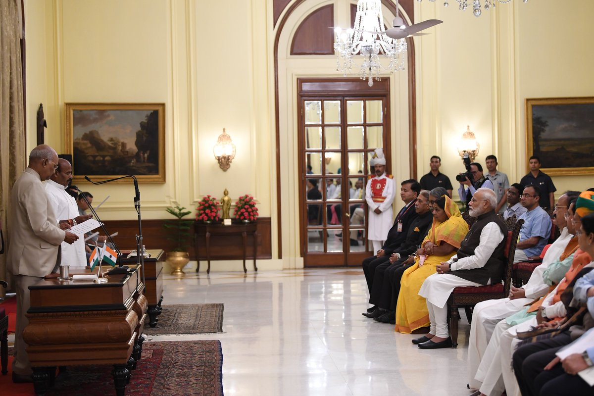 The Honourable President of India, Shri Ram Nath Kovind administered the Oath of Office to @Drvirendrakum13 as Pro-tem Speaker of the 17th Lok Sabha. PM @narendramodi and other eminent dignitaries were present during the ceremony.