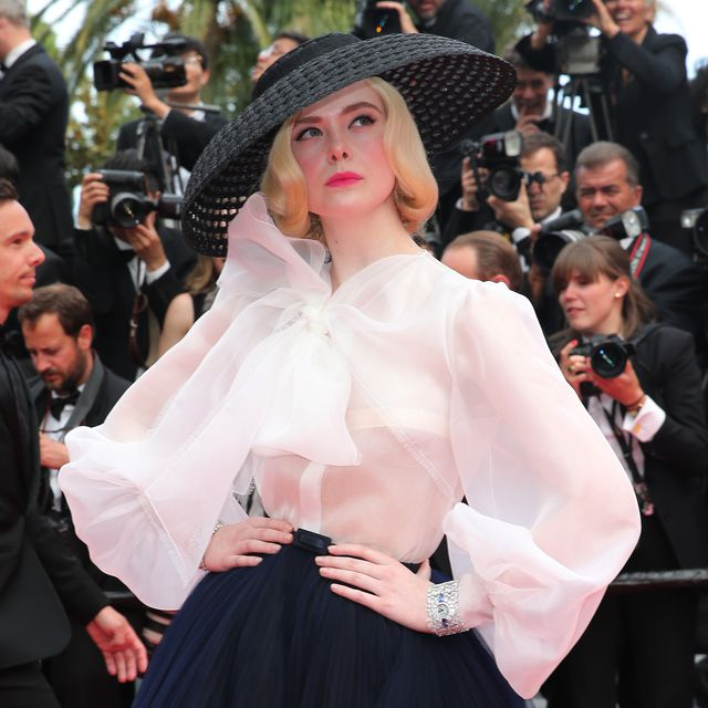 Elle Fanning @ the premier for 'Once Upon a Time in Hollywood' #photography #fashion #art #style #artnet #design #designs #photo #Photos #photography #movie #Movies #film #films #hollywood #artnet #artists #inspiration #motivation #designer #designers https://t.co/gqymJqi1qF