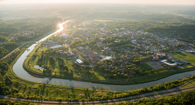 OHIO was established as the first university in Ohio in 1804, #AndEverSince, our students have been building a better future for themselves & the world   Have a great #MondayMorning, Bobcats! <br>http://pic.twitter.com/eYRyzzCFBL