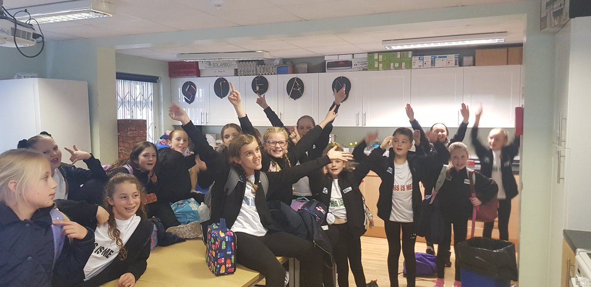 This is us!! #SDE2019 On our way to @The_Lowry Salford Dance Explosion.Look out for uodayes !!<br>http://pic.twitter.com/EkFr3IiY02