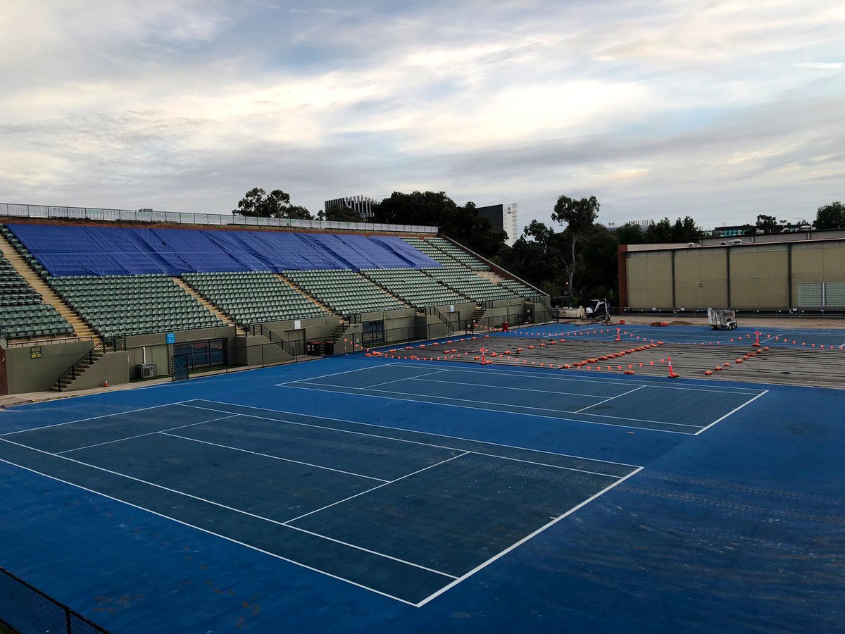 Can you believe what Memorial Drive Tennis looks like now? Exciting times. Getting ready for a new roof and the new #AdelaideInternational #tennisaustralia #Adelaide #AusOpen <br>http://pic.twitter.com/duUlbGLP0C