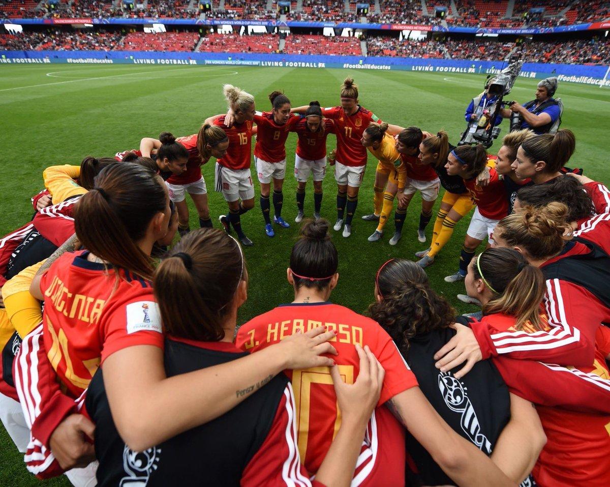 Objetivo: ¡¡LLEGAR A OCTAVOS!!  #CHN - #ESP 🕟 18:00 📺 @Gol  🏟 Estadio Océane 📍Le Havre, Francia  ¡TODO el país está con vosotras, CRACKS! Apoyemos junt@s a la @SeFutbolFem. ¡VAMOS! 🌍🏆 #FIFAWWC   #EllasJueganSoñamosTodos