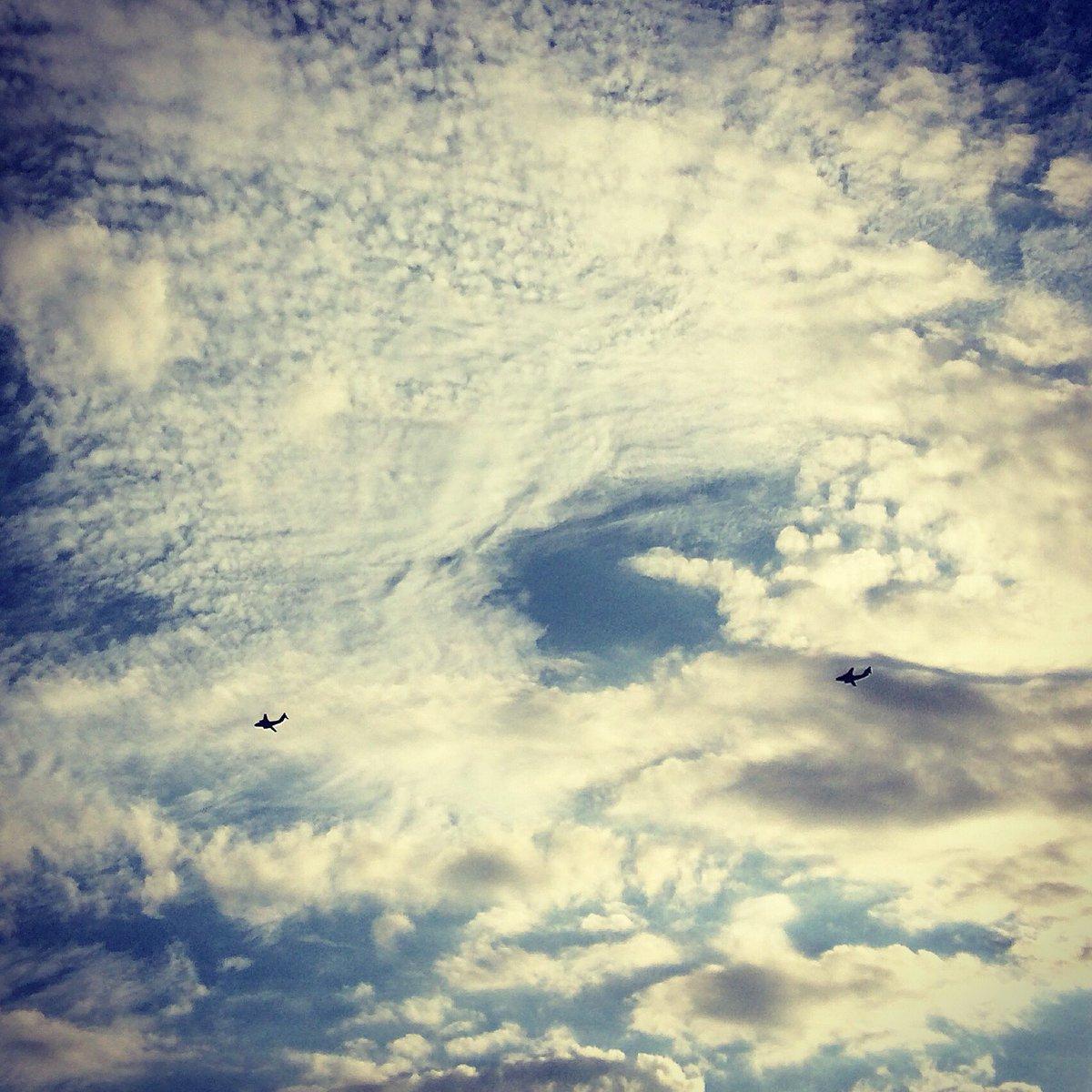 #夕空 #飛行機 #編隊 #空 #雲 #sky #イマソラ #ファインダー越しの私の世界 #写真撮ってる人と繋がりたい https://t.co/YCSCFBfvrC