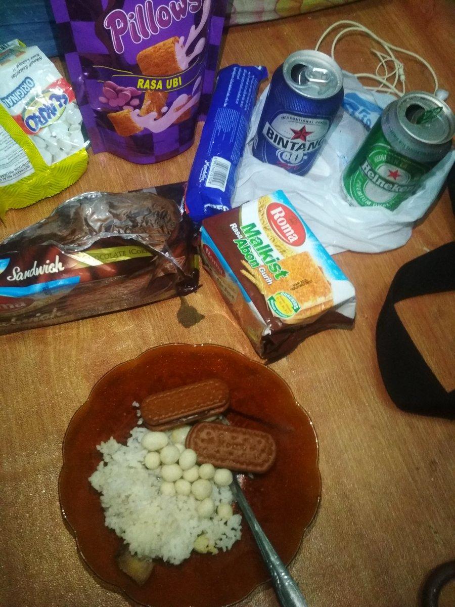 apapun makanannya tetap pakai nasi #akuIndonesia