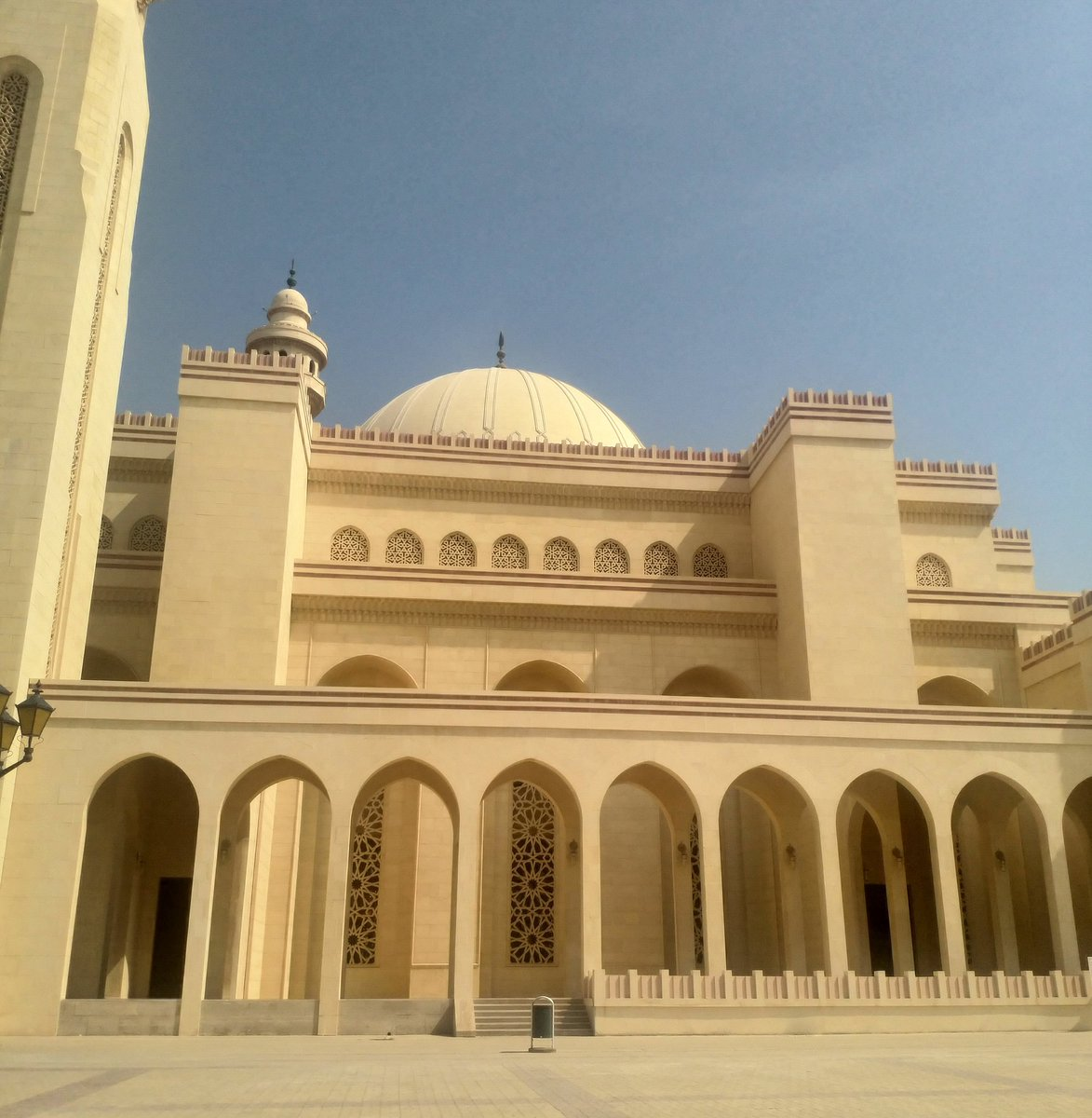#mosque #culture #religion #faith #abroad #sun #tour #bahrain #stunning #exploring #adventure https://t.co/ogtf2wl6U6