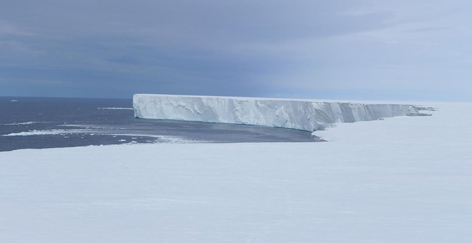 Scientists have found that a portion of the Ross Ice Shelf in #Antarctica, the world's largest ice shelf and an important contributor to future global sea level rise, is melting 10 times faster than the rest of the shelf. via @YaleE360 http://egu.eu/5VKVUG