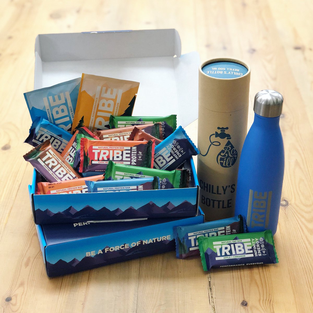 🎉 GIVEAWAY 🎉 Fuel your summer with an awesome selection of TRIBE nutrition bars 💪 Plus a TRIBE X Chilly's bottle, perfect for the upcoming heat🤞! To enter:  1) Follow @greenjinn @the_tribe_way  2) Like & RT to win 😋!  Good luck! Ends 23/06 https://greenjinn.com/blog/tribe-giveaway/…