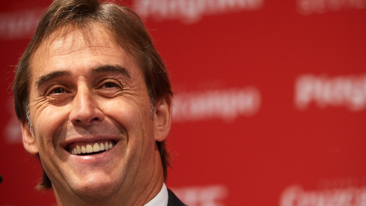 """Lopetegui  """"My staff and I were close to leaving for England when the phone call came in the summer of 2016. It was from Angel Villar, who was then president of the Spanish Federation.  """"He convinced me to lead the project for Spain at the 2018 World Cup."""" <br>http://pic.twitter.com/gEhZWzUuTX"""