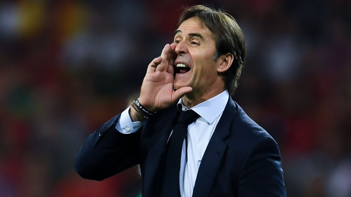 """Lopetegui  """"The timing was interesting. We were coming in on the back of several tournaments where things hadn't worked out. Our style was being questioned publicly.   """"But I believed that the team still had a strong future."""" <br>http://pic.twitter.com/fOXJFaJpFY"""