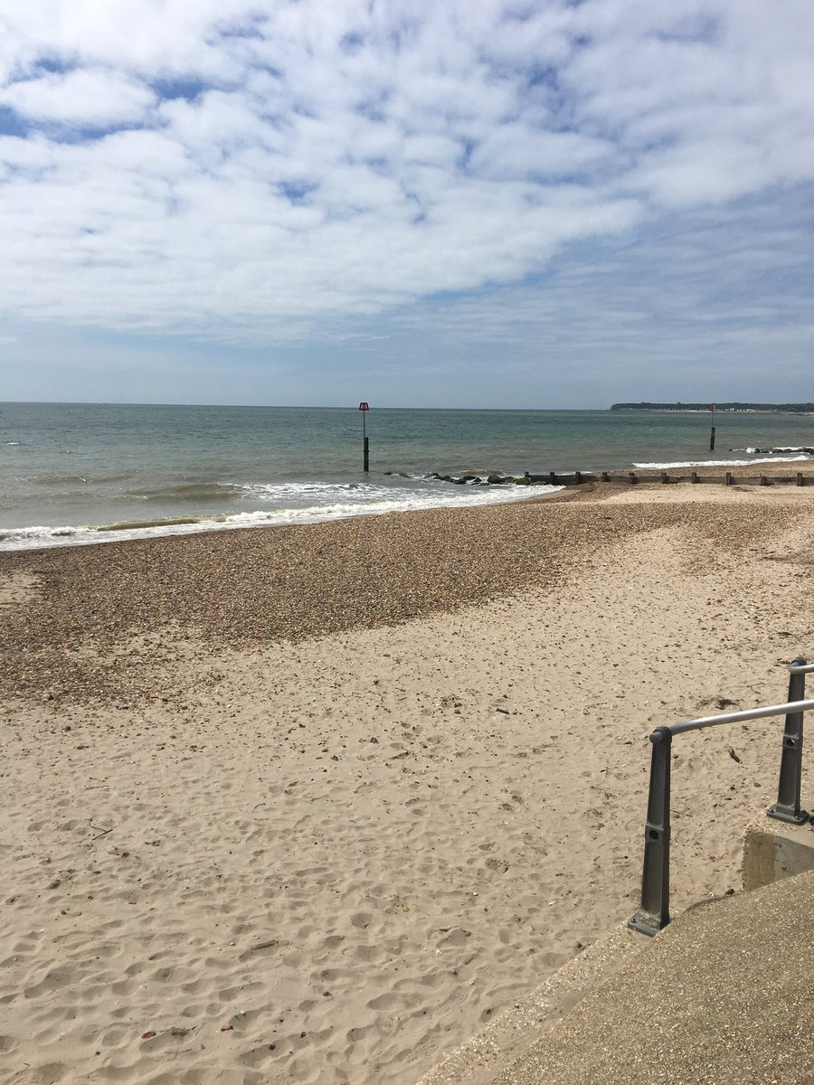 Another fabulous day for fieldwork. This time with 10R3 #Geography #fieldwork #aqageography #gcse #mudeford <br>http://pic.twitter.com/ClF6qYPnqu