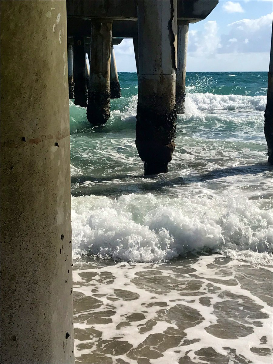 Good Monday Morning If it requires bare feet in the sand, my answer is always YES!!  #mondaymotovation #yes #goforit #vitaminsea #seashore #seastheday #barefoot #seaside #seascape #surf #waves #SaltLife #seaside #seasandsun #tropicaltalker <br>http://pic.twitter.com/DZNU0dKN1H