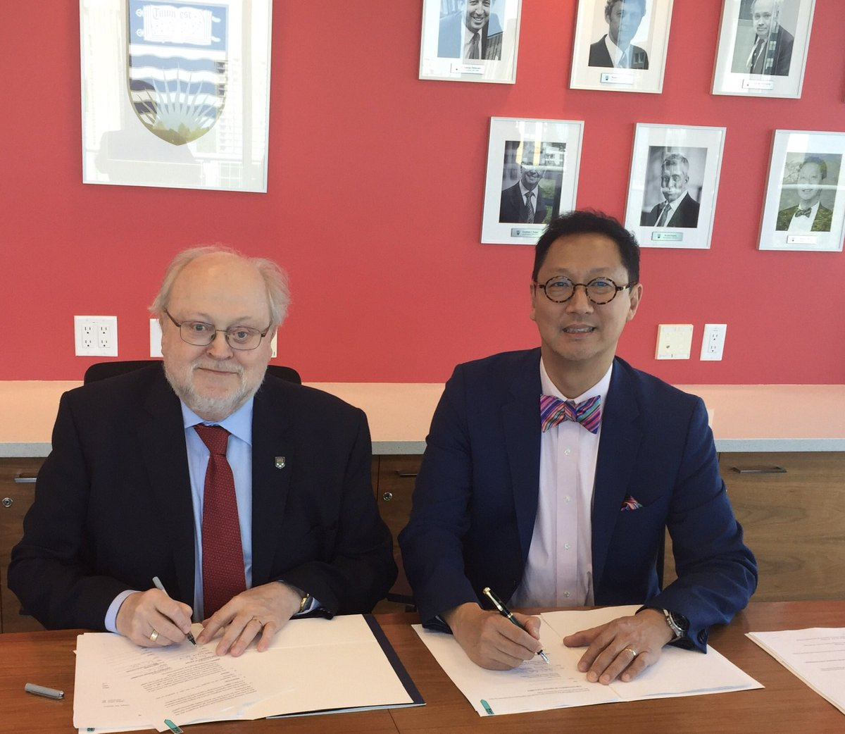 @UniofExeter strengthens global partnerships in Canada. Includes great new agreement with @UBC to expand opportunities for students to move between two high quality universities in beautiful locations. Read more: http://ex.ac.uk/bDE