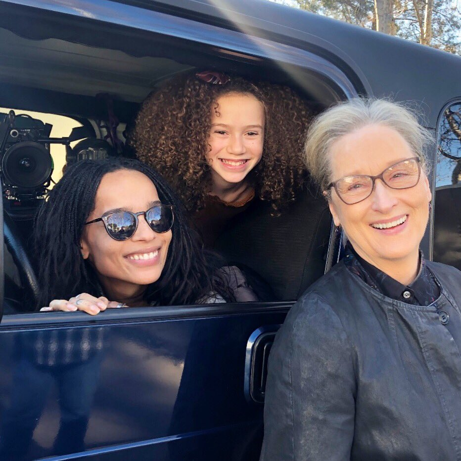 A treasured set pic of #biglittlelies  in-between shooting. #bll  just keeps getting better! #mama & #merylstreep #dreamscancometrue @ZoeKravitz  @Big_Little_Lies @HBO #hbo @MerylStreepPage<br>http://pic.twitter.com/hW4l69jBvU