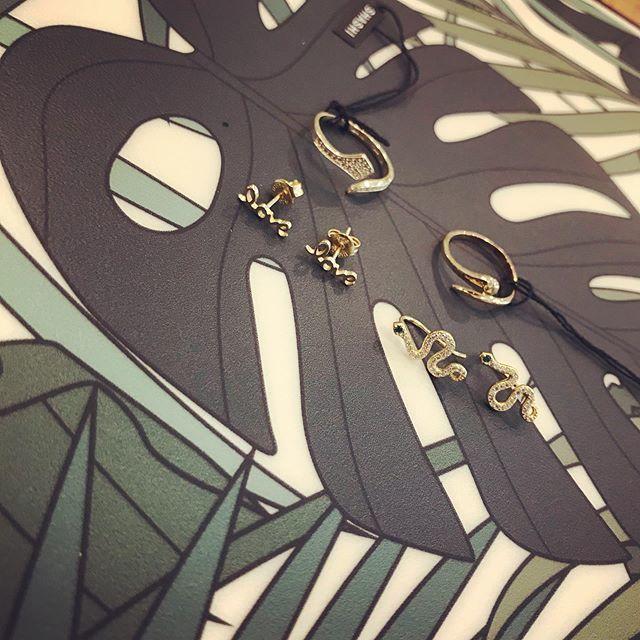 Love Snake! #shashijewelry #lebazaristain #conceptstoreparis #boutiqueduvoyage #snakejewelry #earring #rings #snake http://bit.ly/31DWWPapic.twitter.com/o58uMKLt5E