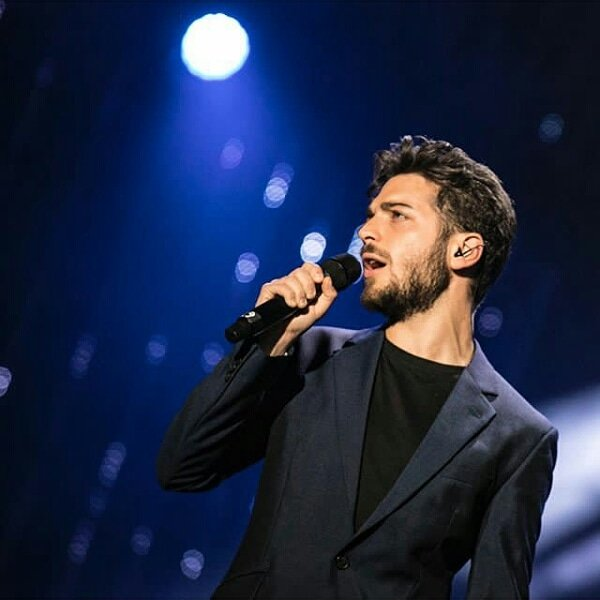 gianginoble11: Back on tour! 🎤 ready for the next shows!🇮🇹 #MusicaTour #IlVolo