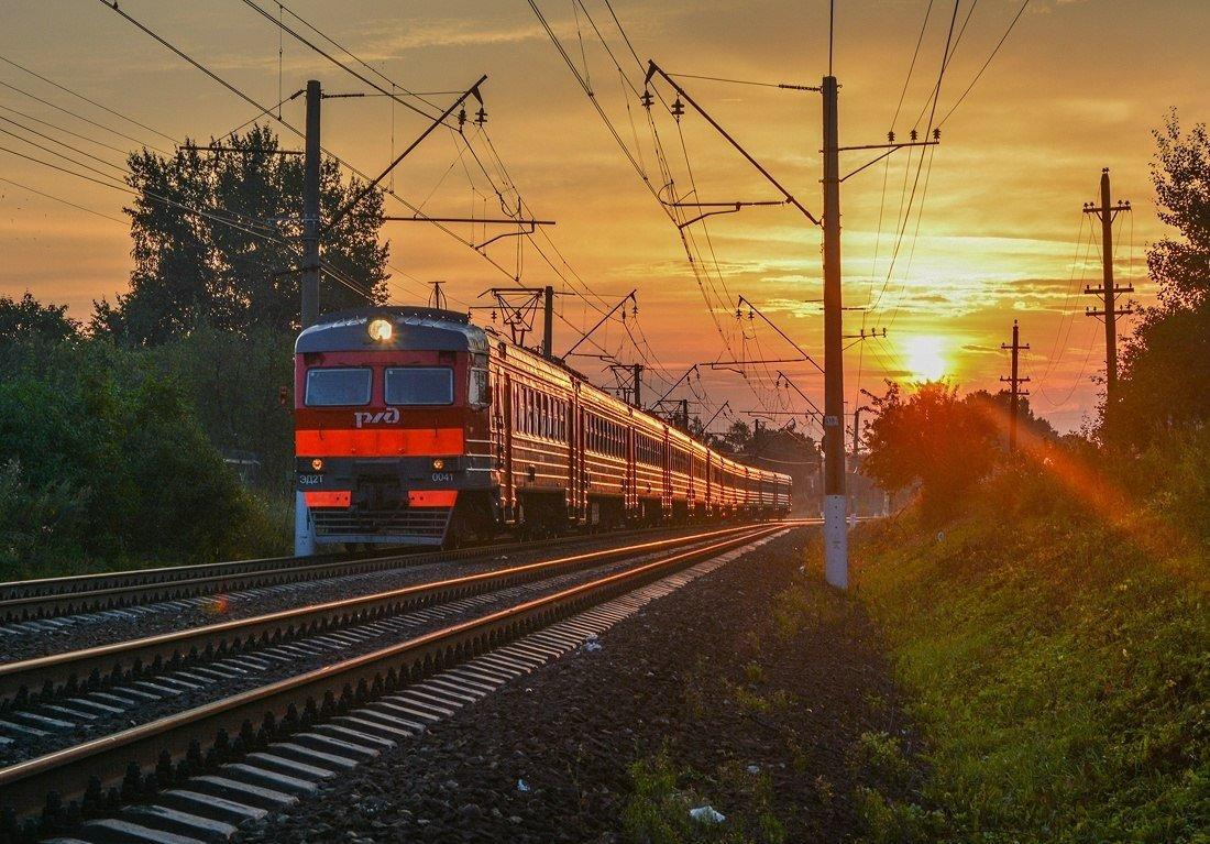картинки железнодорожного поезда бирюза своим