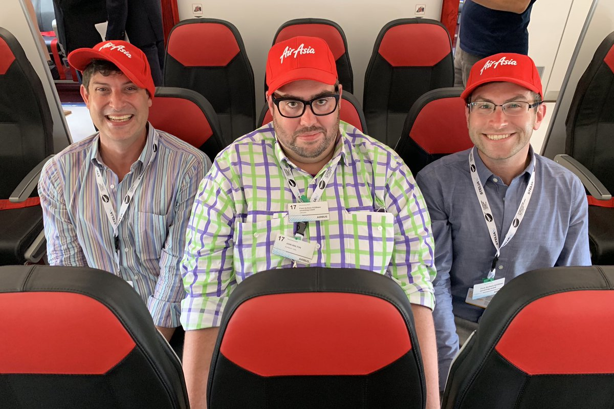 What a dynamic group... @WandrMe, @thatjohn and I subject ourselves to 30 seconds of 3-3-3 @Airbus A330neo economy together on @AirAsia at #PAS19.