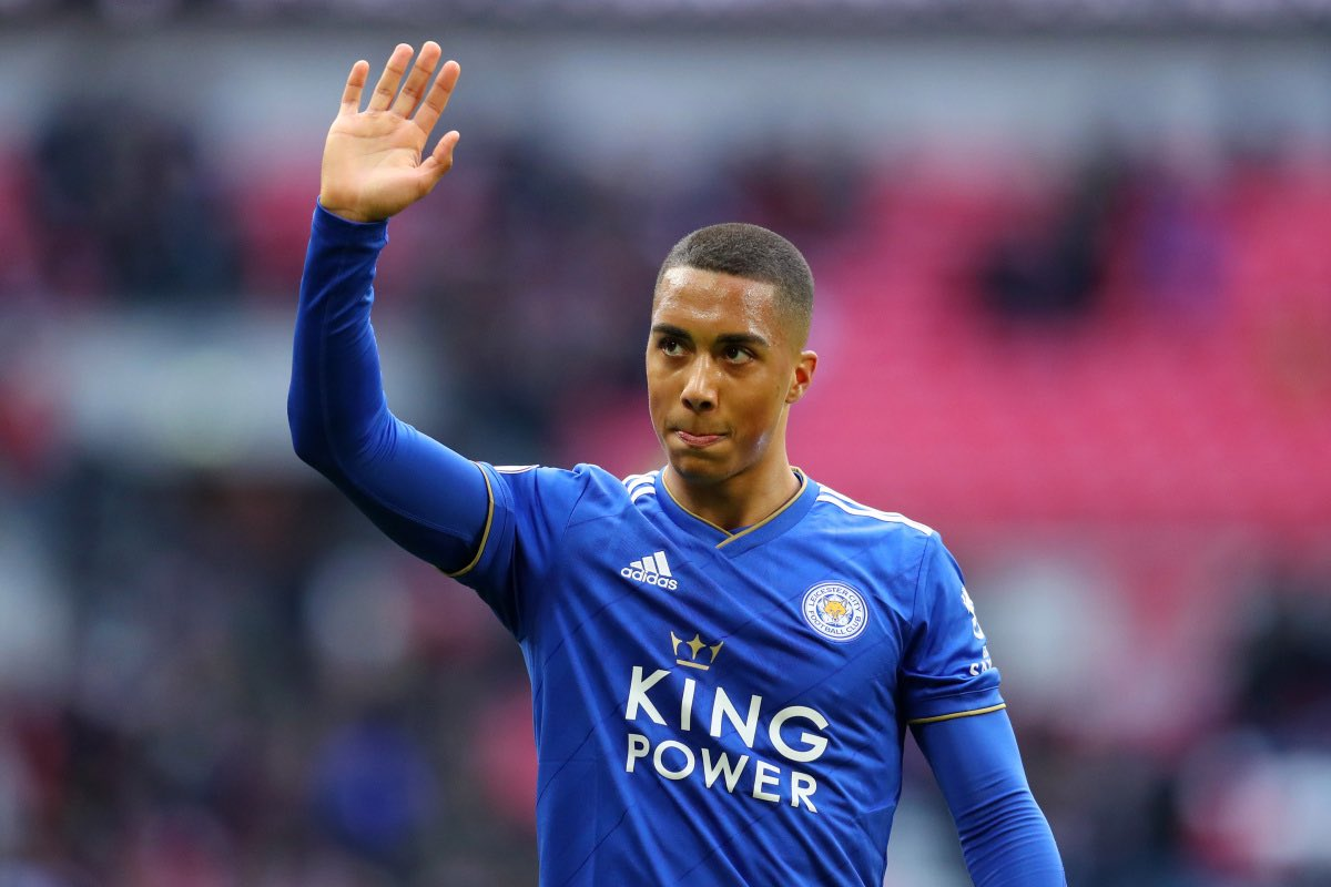 Leicester believe that they are still in pole position to sign Youri Tielemans, as they are in advanced talks with Monaco. No final agreement as yet. Man United have been in touch with the player's agent for a while now, but they still haven't made a bid. #lcfc #mufc<br>http://pic.twitter.com/G9WNFSHGDw