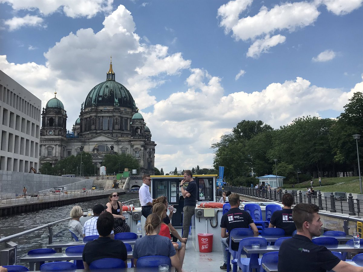 Nice boat tour in #Berlin organized by @Infotopics. Inspirational stories by @MerlijnBuit and @TristanSchoute2 about how they became a @Tableau Zen master and #Ironviz finalist. #data19 #TCE19 #letstalkdata #datafam https://t.co/sc93PRKt3V
