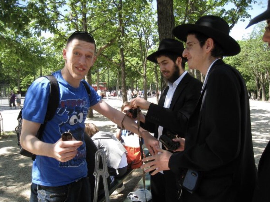 I've been called an antisemite a lot over the past month because I've been criticising Israel. So I thought I should post this picture of me being obviously antisemitic in public.  Oh no! That's a picture of me having my Bar Mitzvah In Paris! It's so easy to confuse the two. #BDS <br>http://pic.twitter.com/sHAtzfh1JB