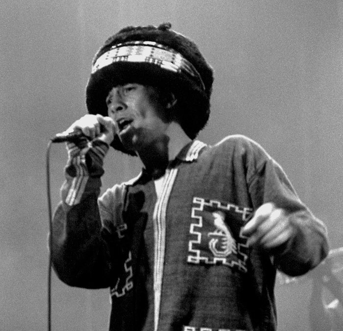 Great picture of Jay performing in France, Rennes, Transmusicales Music Festival 1993 #Jamiroquai #JayKay #France #EmergencyOnPlanetEarthTour<br>http://pic.twitter.com/PTzinUtIPO