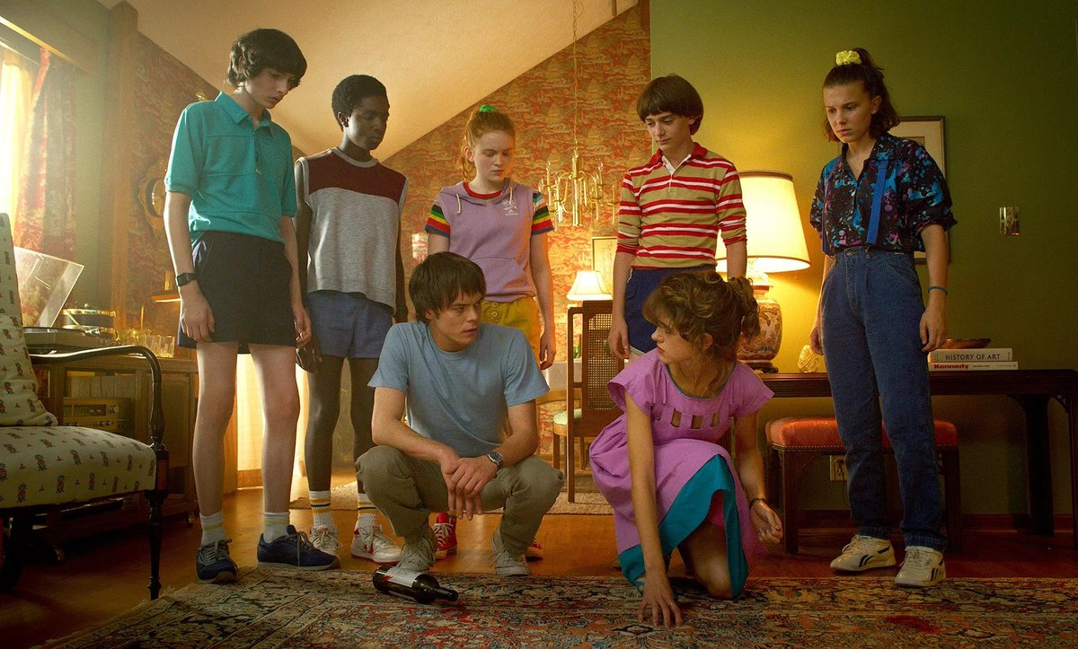 The 'Stranger Things' cast says the show should end after 'one or two more seasons' and tease that the last two episodes in S3 are 'mind-blowing'  (via @etnow | http://bit.ly/2IoSegM)
