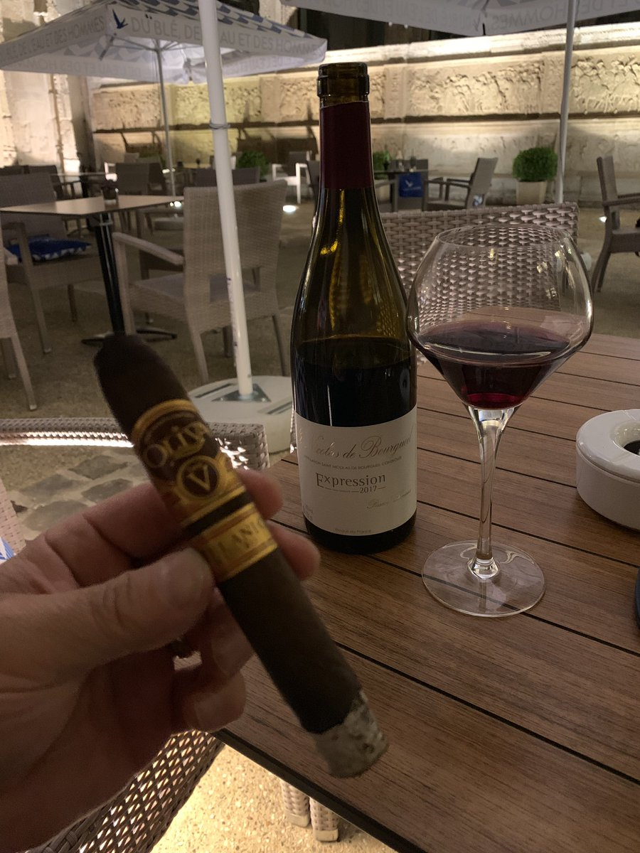 St. Nicolas de Bourgueil Expression 2017 and an Olivia V Melanio Maduro at the Hotel de Bourgtheroulde in Rouen, France  <br>http://pic.twitter.com/U6l6CtUuy7