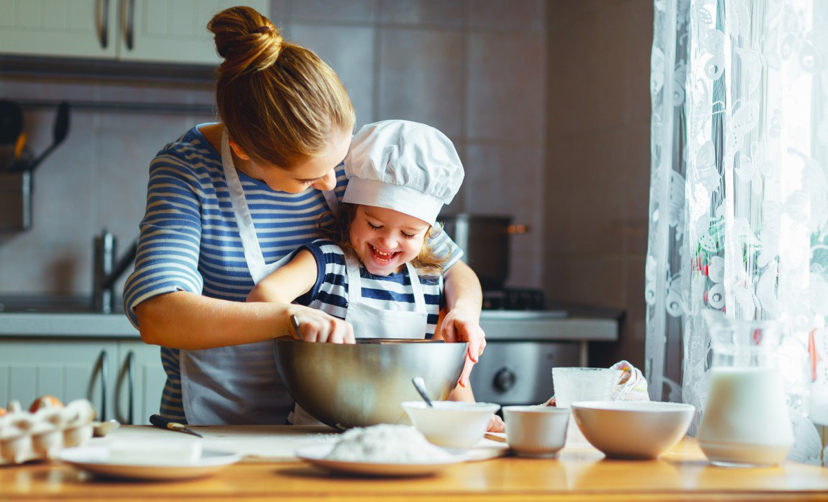 test Twitter Media - Baking with your kids this summer? Raw eggs and flour in uncooked batter and dough can contain harmful germs such as E. coli. Don't eat uncooked dough or batter. https://t.co/GwnNsPCpcL #FoodSafety #DoughNotFallForIt https://t.co/mWF89Z3Crf